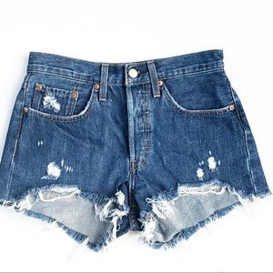 Levi's | Women's Distressed Cut off Shorts Size 26